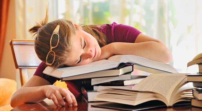 Ders Çalışırken Uyku Gelmemesi İçin Ne Yapmalı?